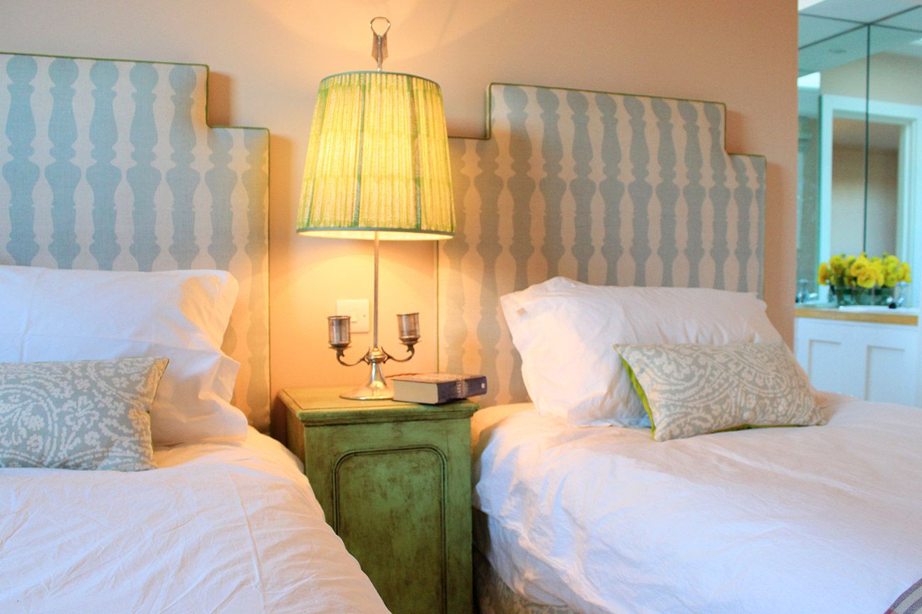 Charming side table between the beds in the Cavendish vacation rental offered by London Perfect