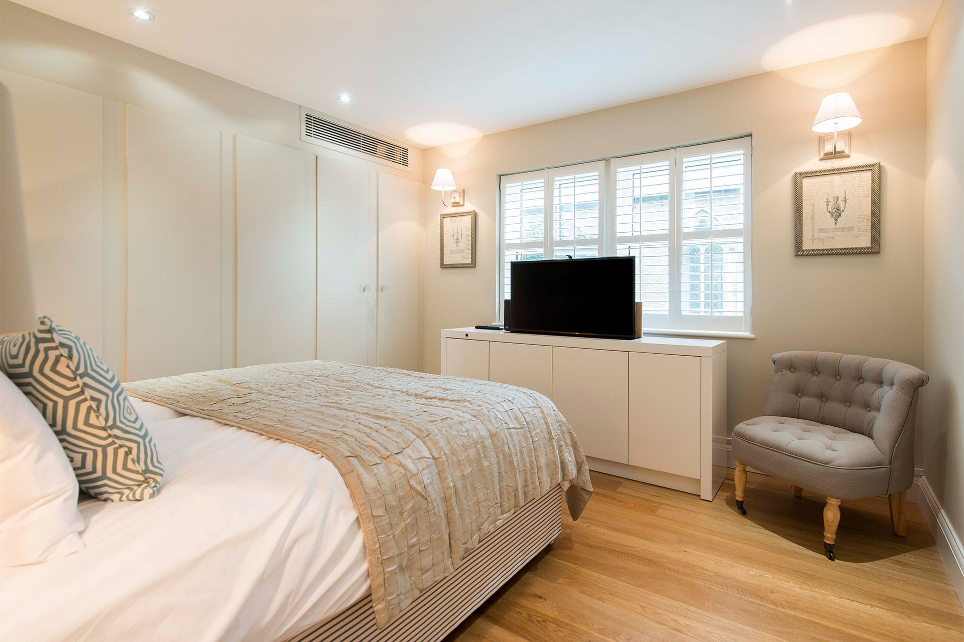 Cupboards in the first bedroom of the Eldon vacation rental offered by London Perfect