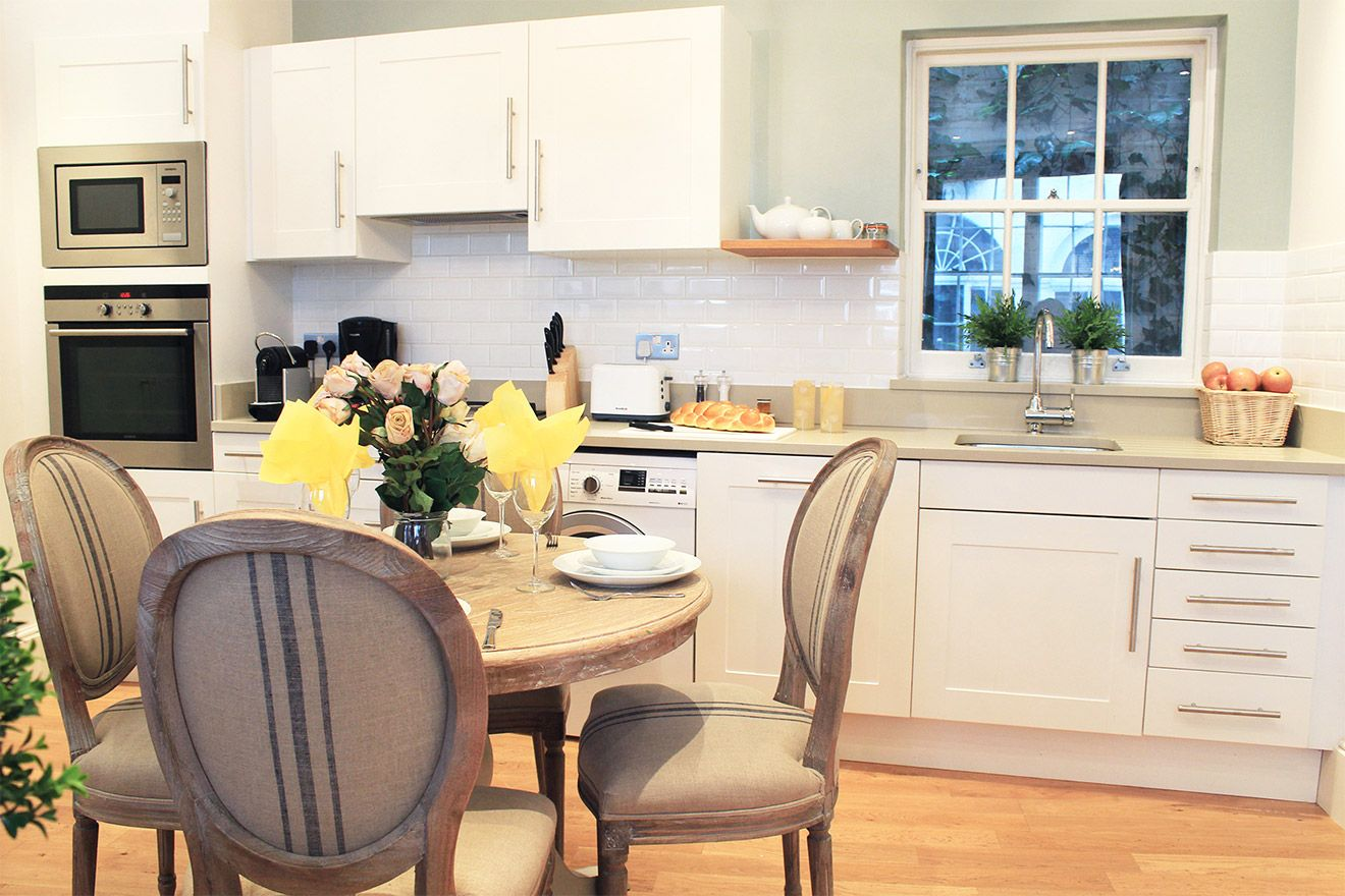 Beautifully remodelled kitchen of the Middleton vacation rental offered by London Perfect