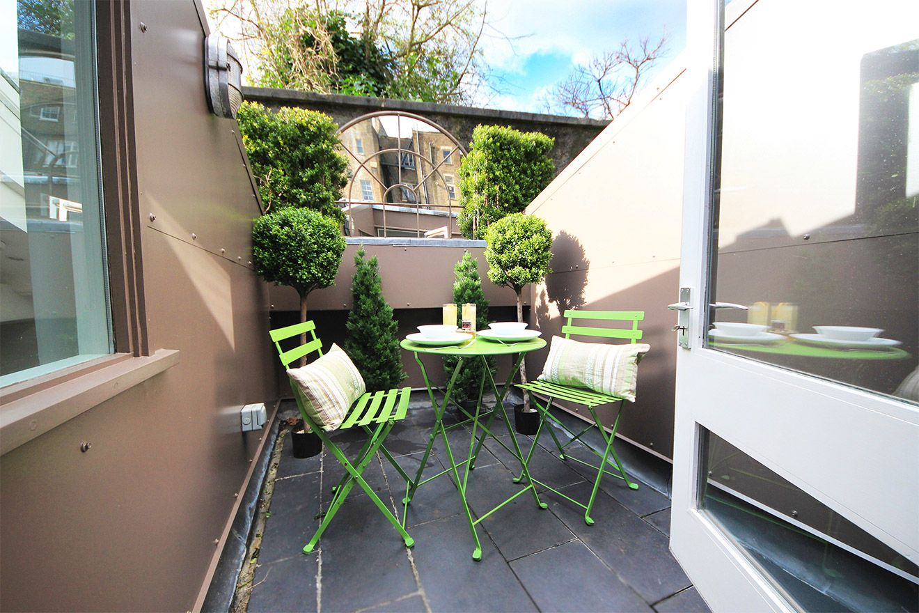 Entry to rooftop terrace of the Middleton vacation rental offered by London Perfect