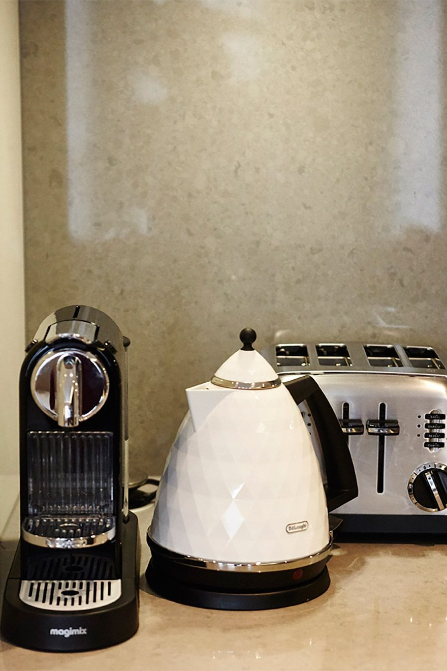 Coffee Machine and Kettle in the Pelham vacation rental offered by London Perfect