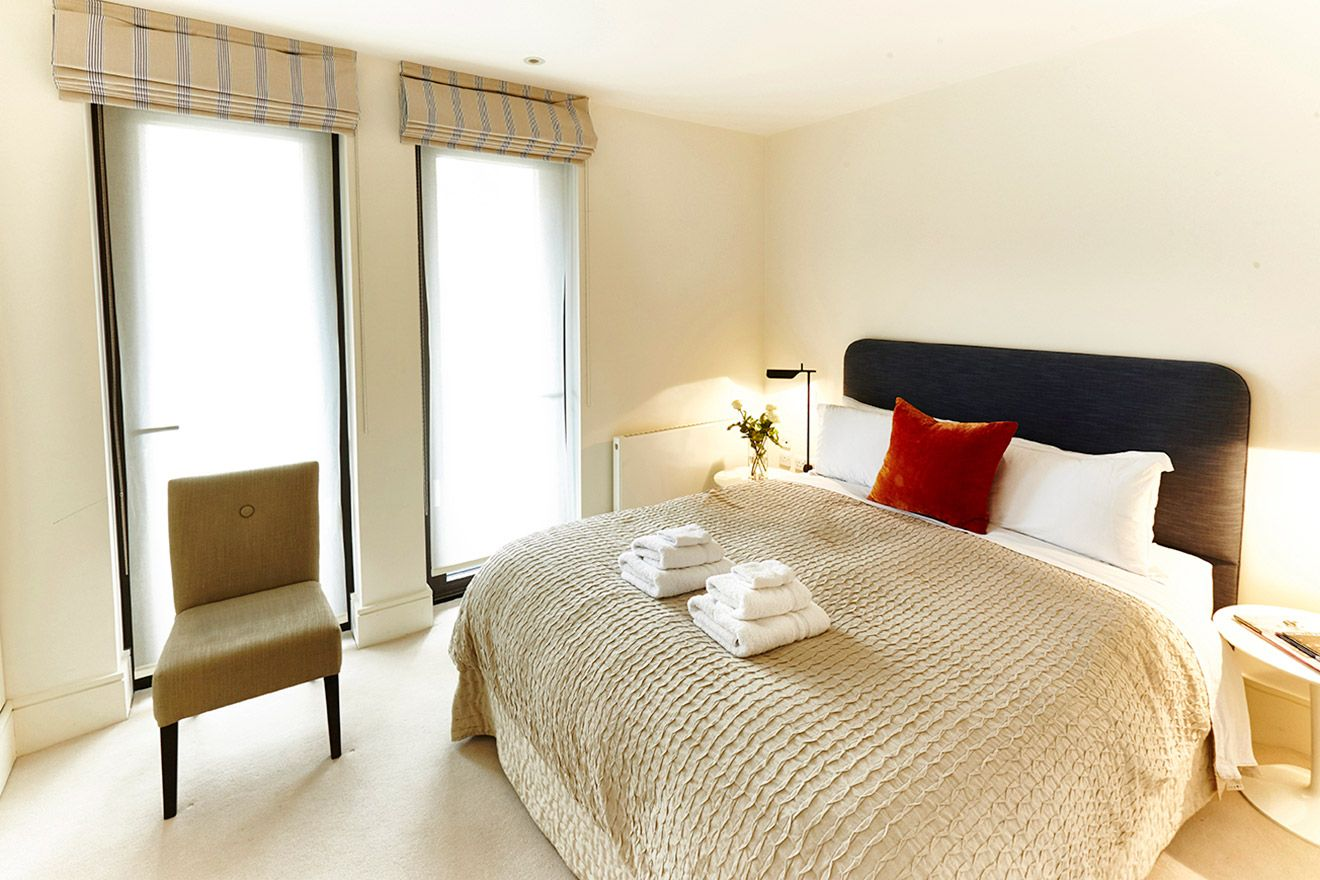 Light filled second bedroom of the Pelham vacation rental offered by London Perfect
