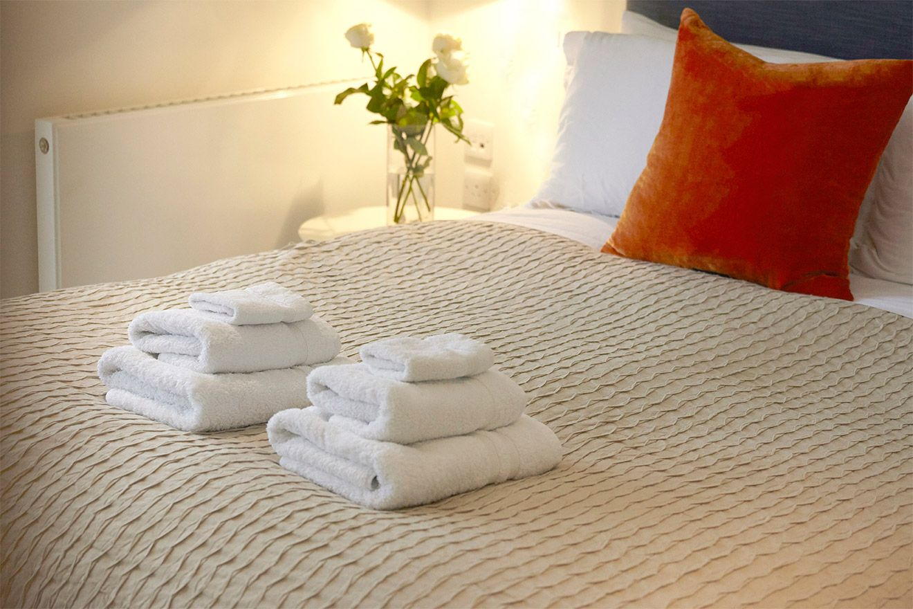 Luxurious bedding in the Pelham vacation rental offered by London Perfect