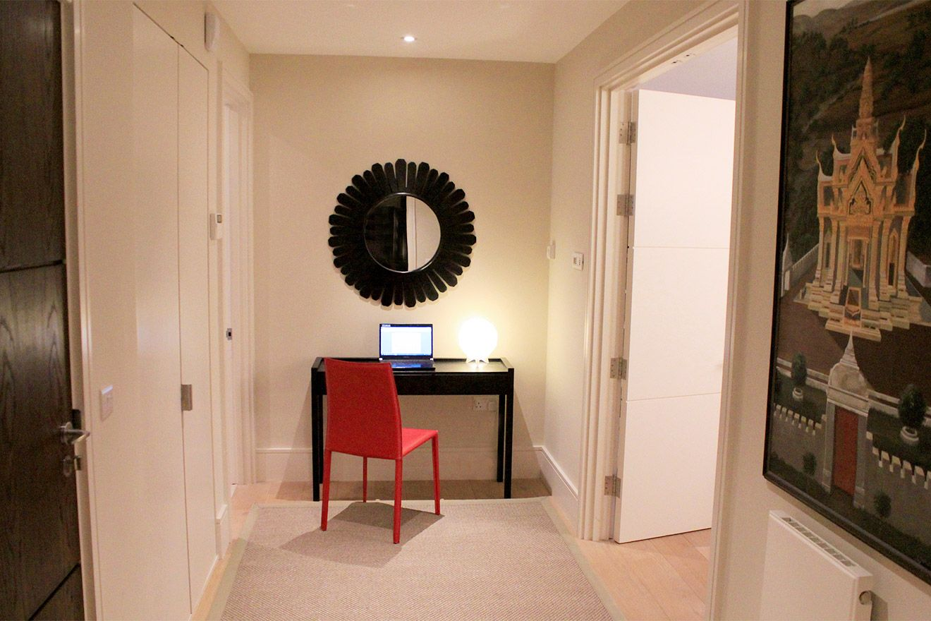 Spacious entryway of the Pelham vacation rental offered by London Perfect