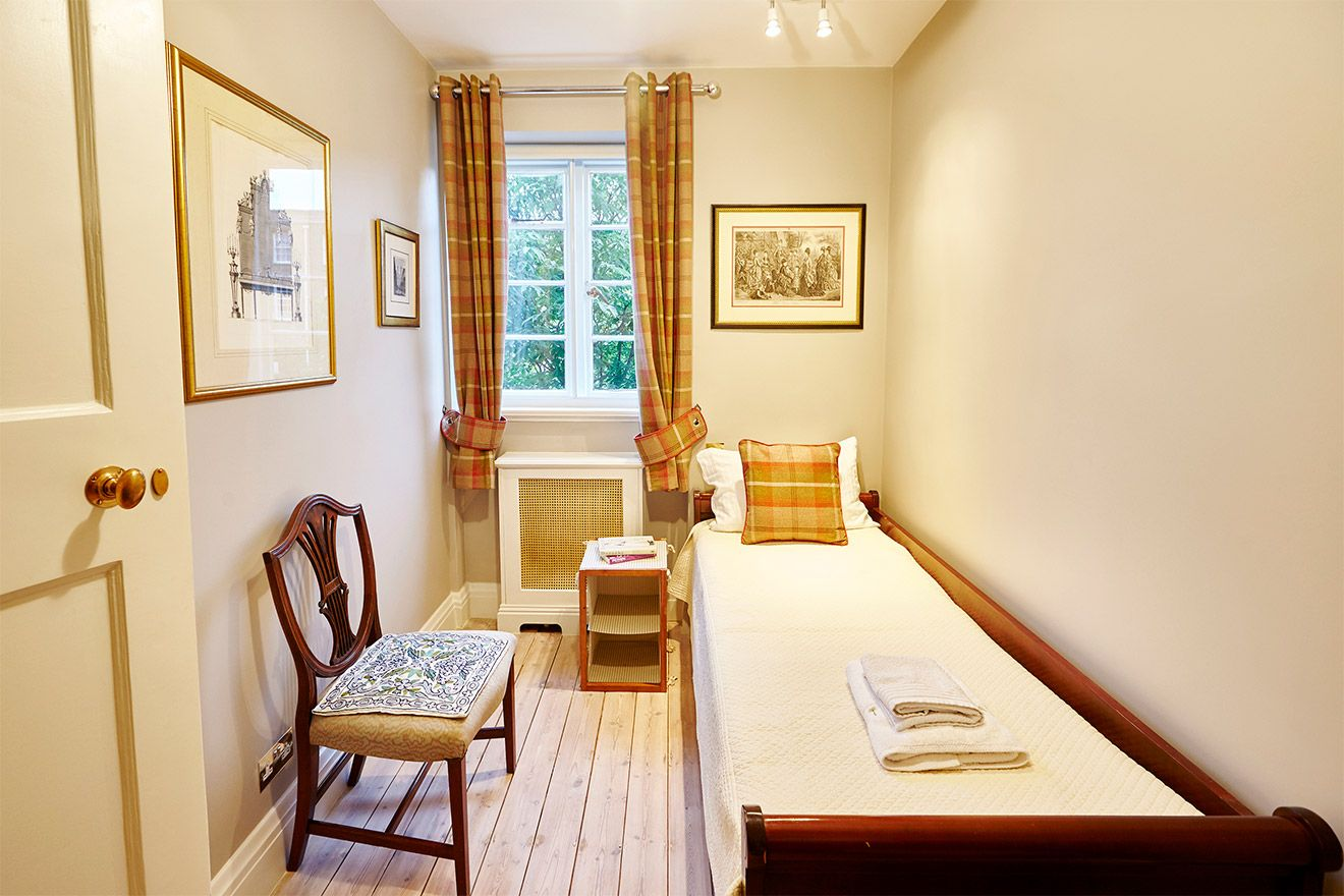 Lovely third bedroom of the MacDonald vacation rental offered by London Perfect