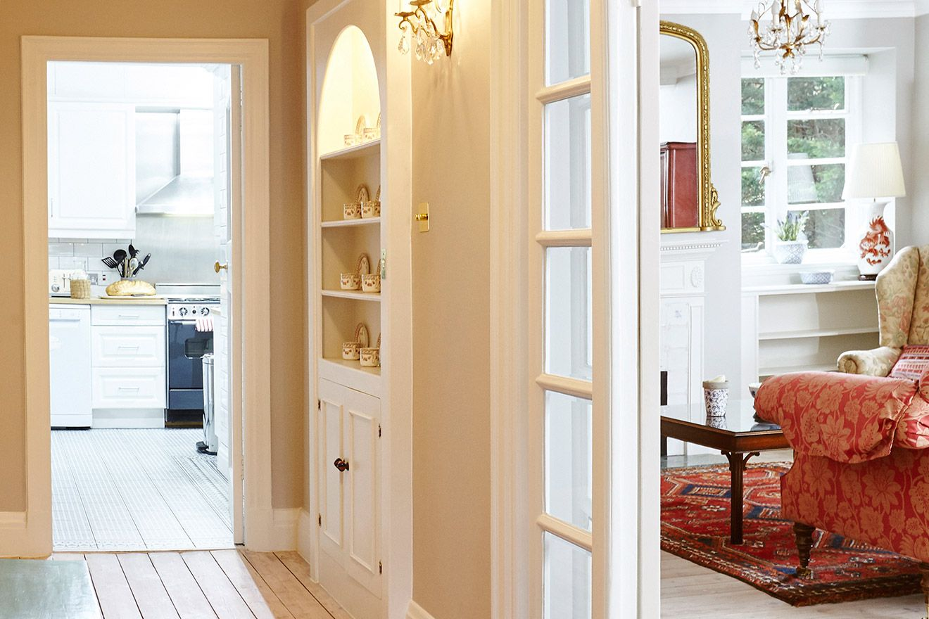 Elegant hallway of the MacDonald vacation rental offered by London Perfect