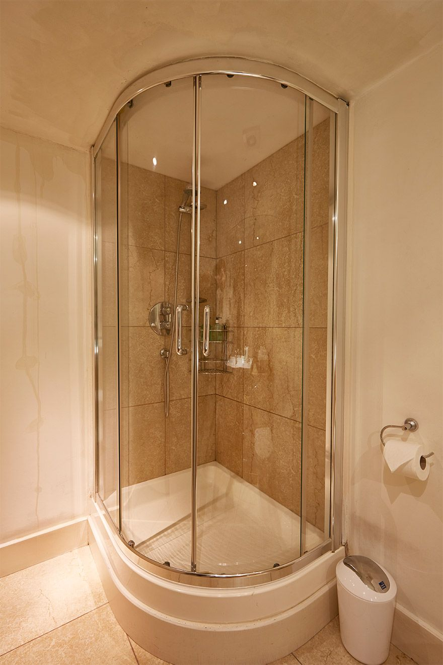 Large walk in shower in The Queensgate Studio Loft vacation rental offered by London Perfect