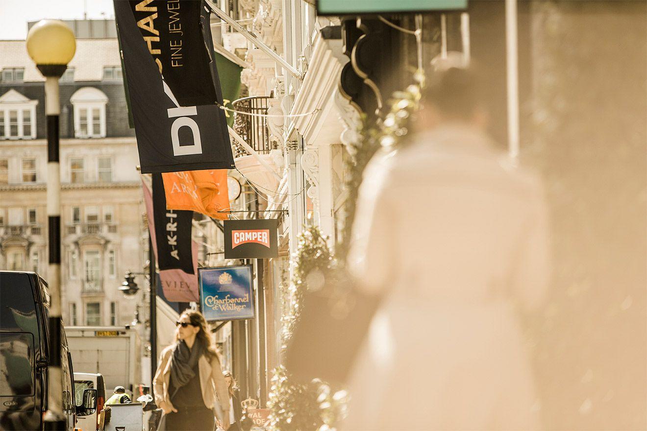 Fashionable shopping on Bond Street