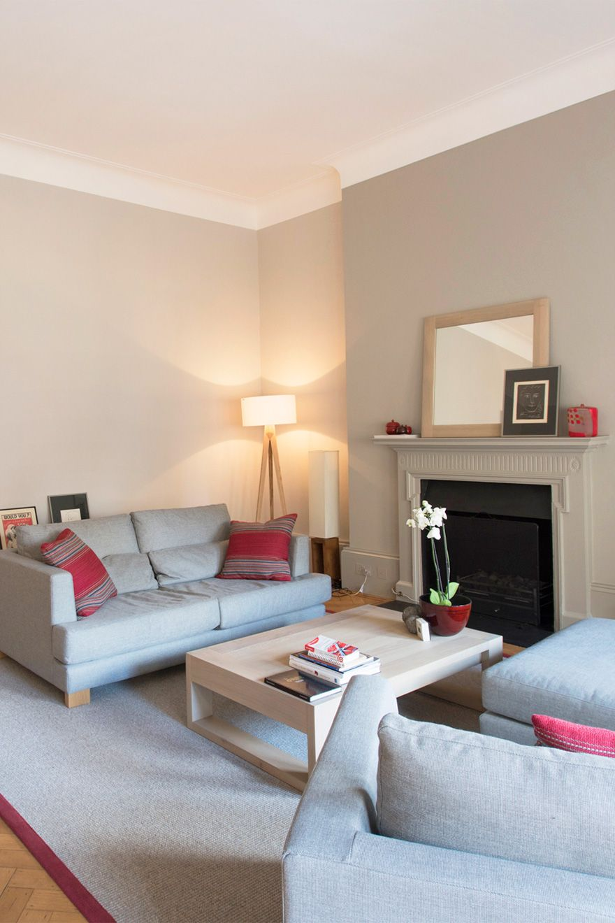 Lovely fireplace in the living room of the Sloane vacation rental offered by London Perfect