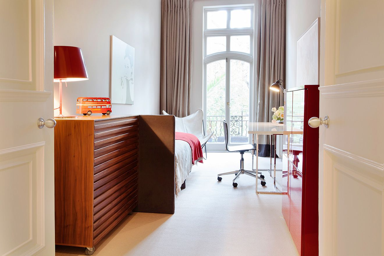 Stylish second bedroom of the Sloane vacation rental offered by London Perfect