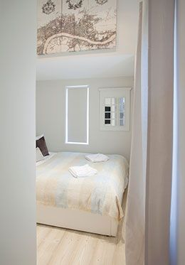 Pretty canvas print in the first bedroom of the Addington vacation rental offered by London Perfect