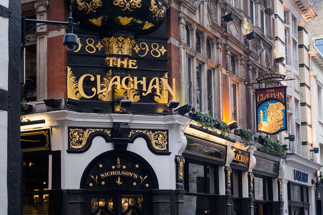 Visit one of London's famous Pubs