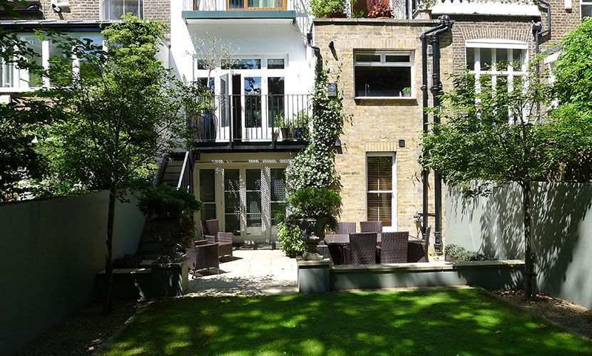 Private garden of the Chatham vacation rental offered by London Perfect