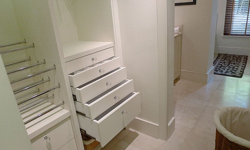 Walk in Wardrobe in the Chatham vacation rental offered by London Perfect
