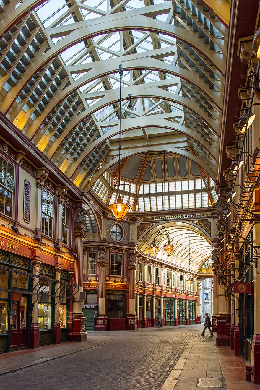 Shopping arcade in London