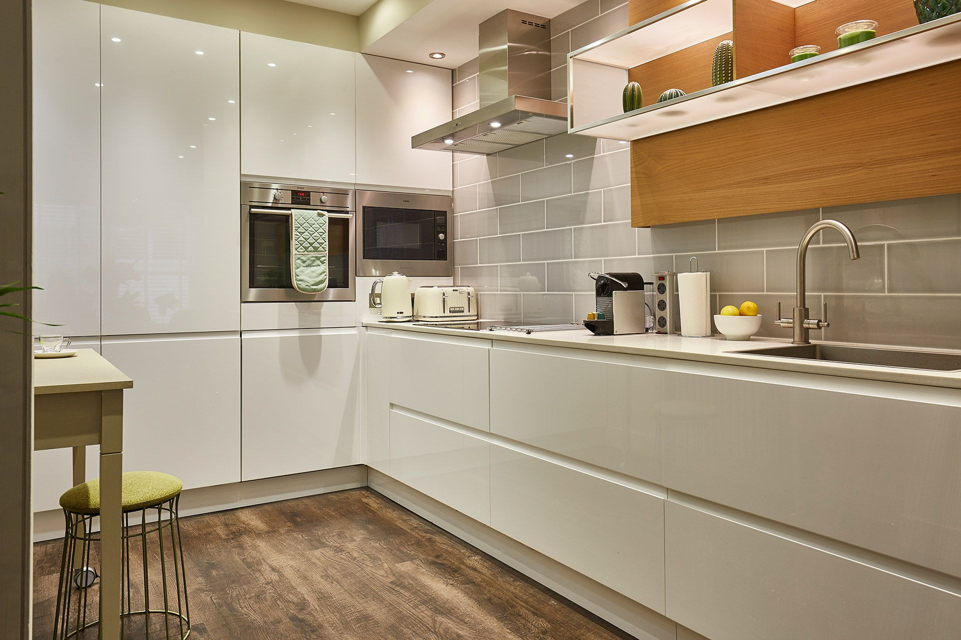 Modern designer kitchen of the Danebury vacation rental offered by London Perfect