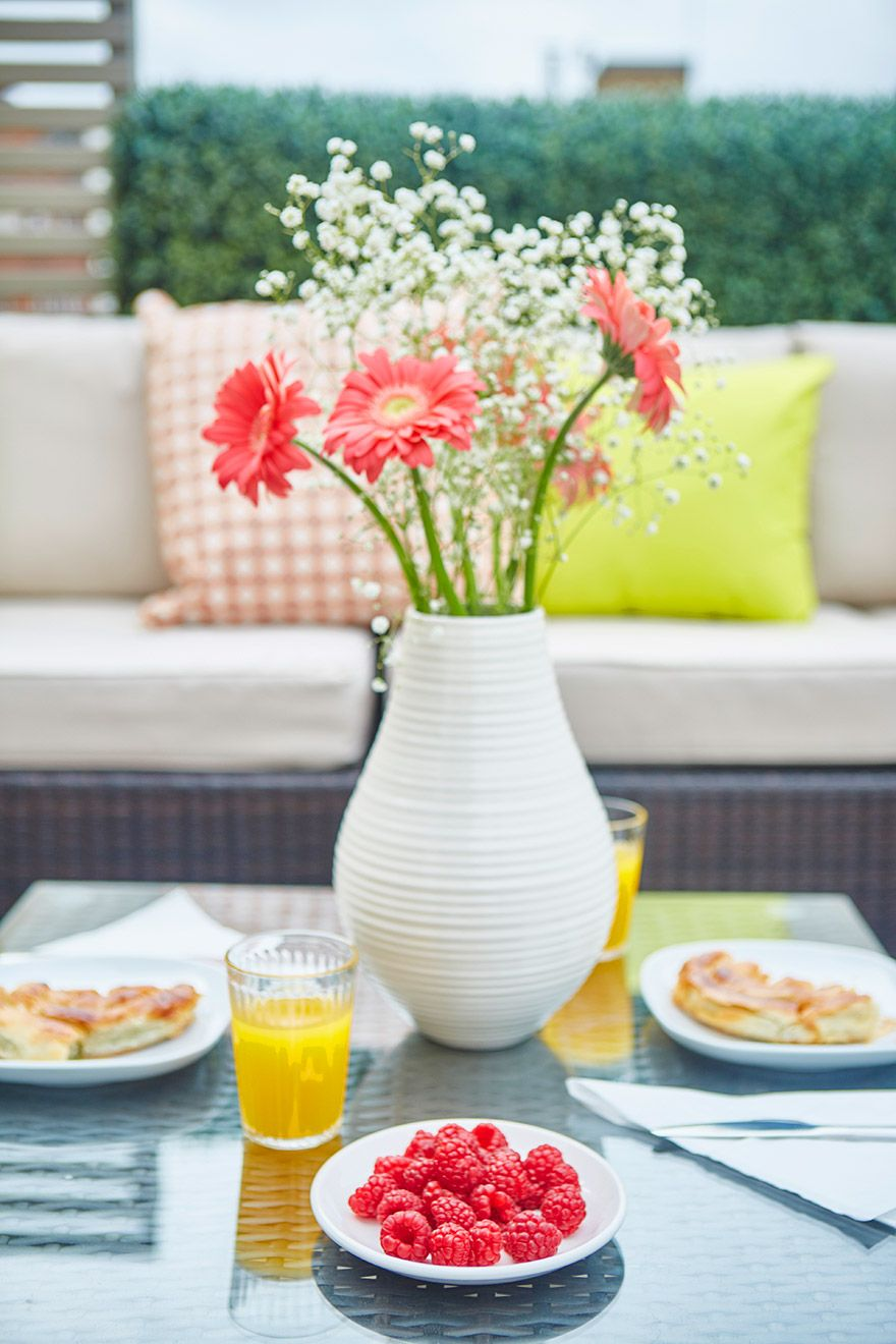 Flowers on terrace of the Danebury vacation rental offered by London Perfect