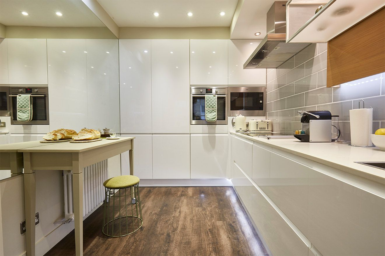 Modern kitchen of the Danebury vacation rental offered by London Perfect