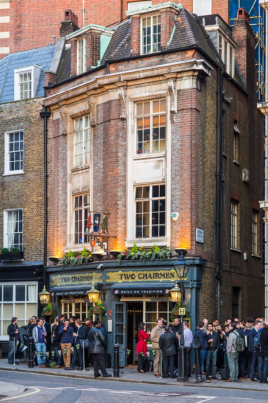 Two Chairmen pub in London
