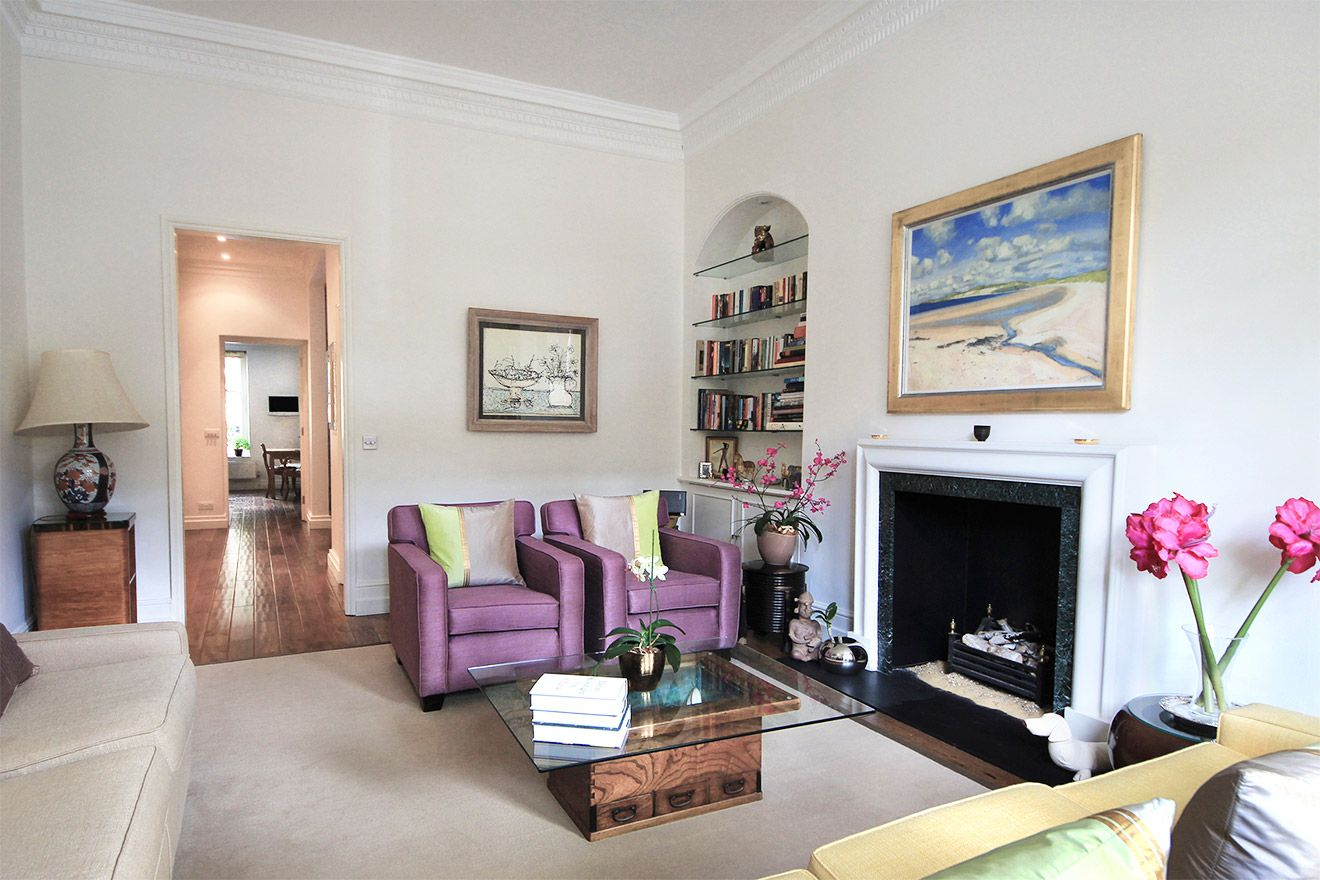 Large bright living room in the Christchurch vacation rental offered by London Perfect