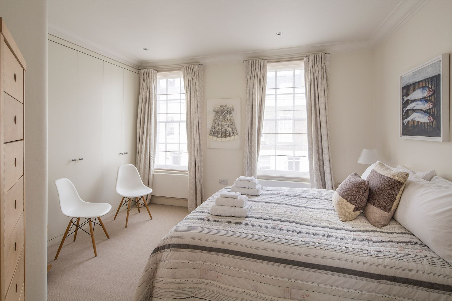 Second bedroom with double bed in The Walton vacation rental offered by London Perfect