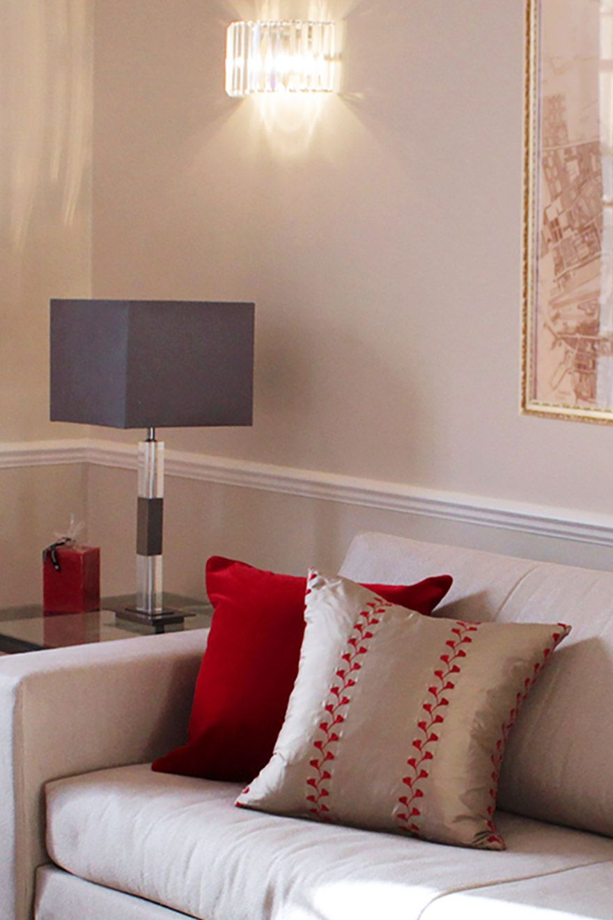 Beautiful London living room of the Leicester vacation rental offered by London Perfect