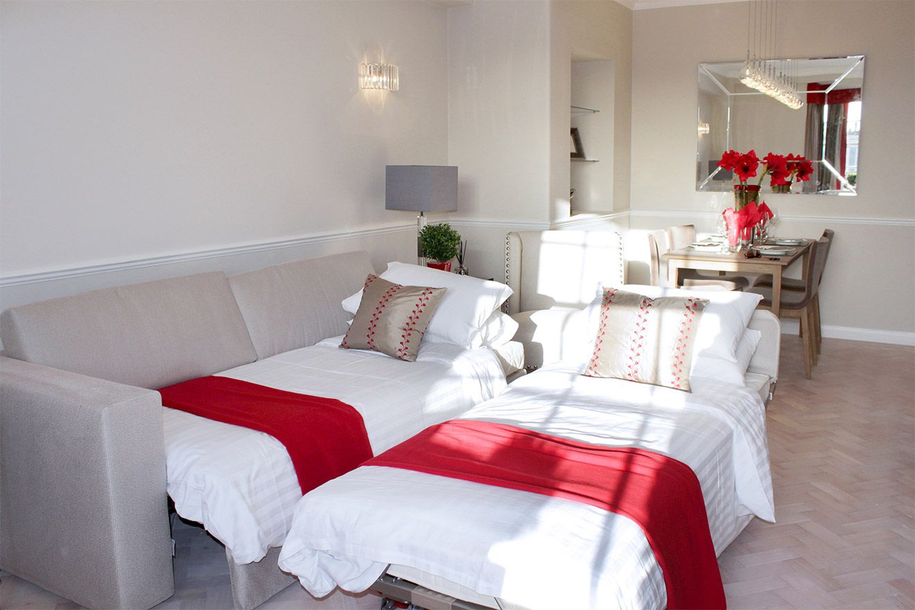Sofa converts to two twin beds in the Leicester vacation rental offered by London Perfect