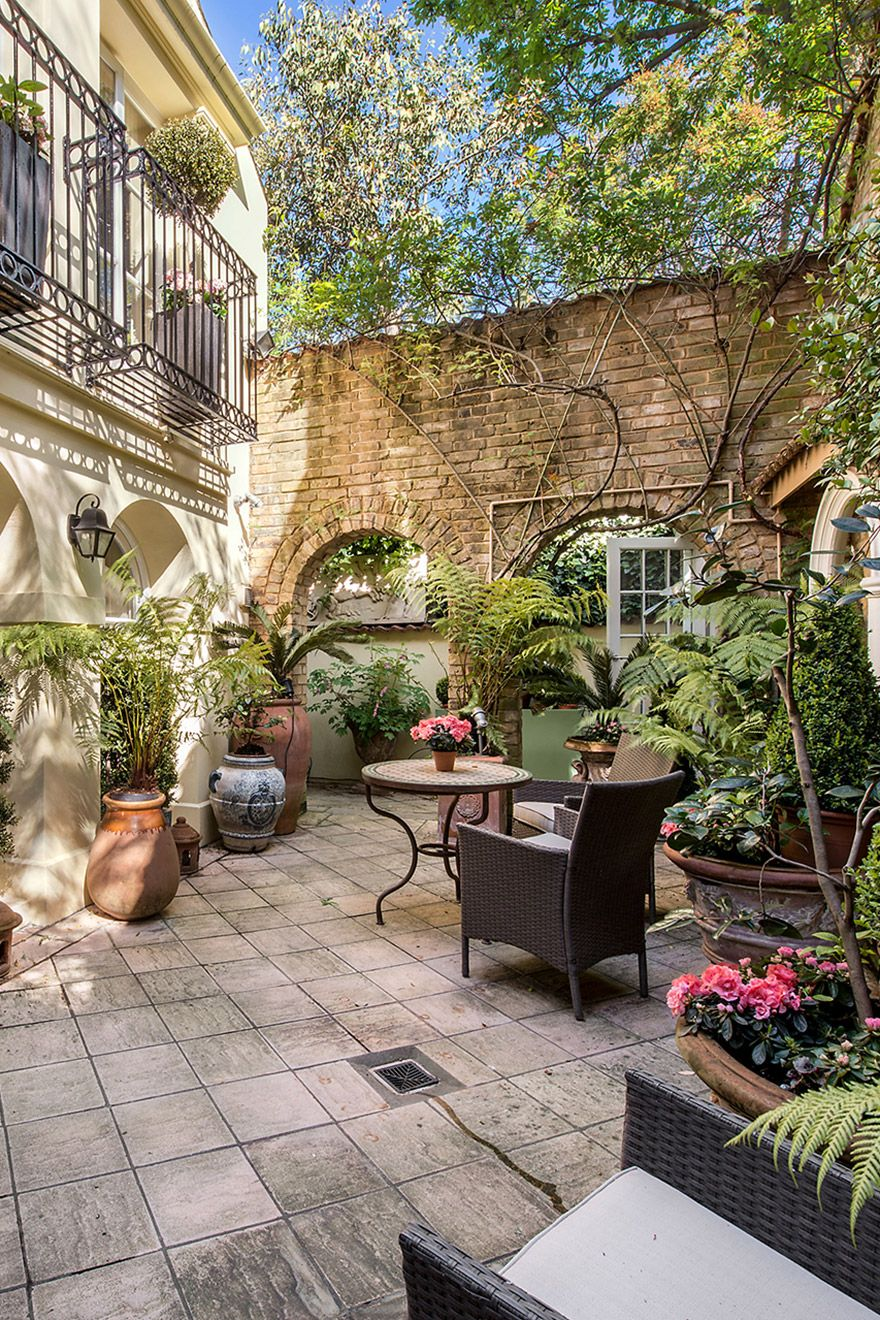 Lovely large patio of the Cornwall vacation rental offered by London Perfect