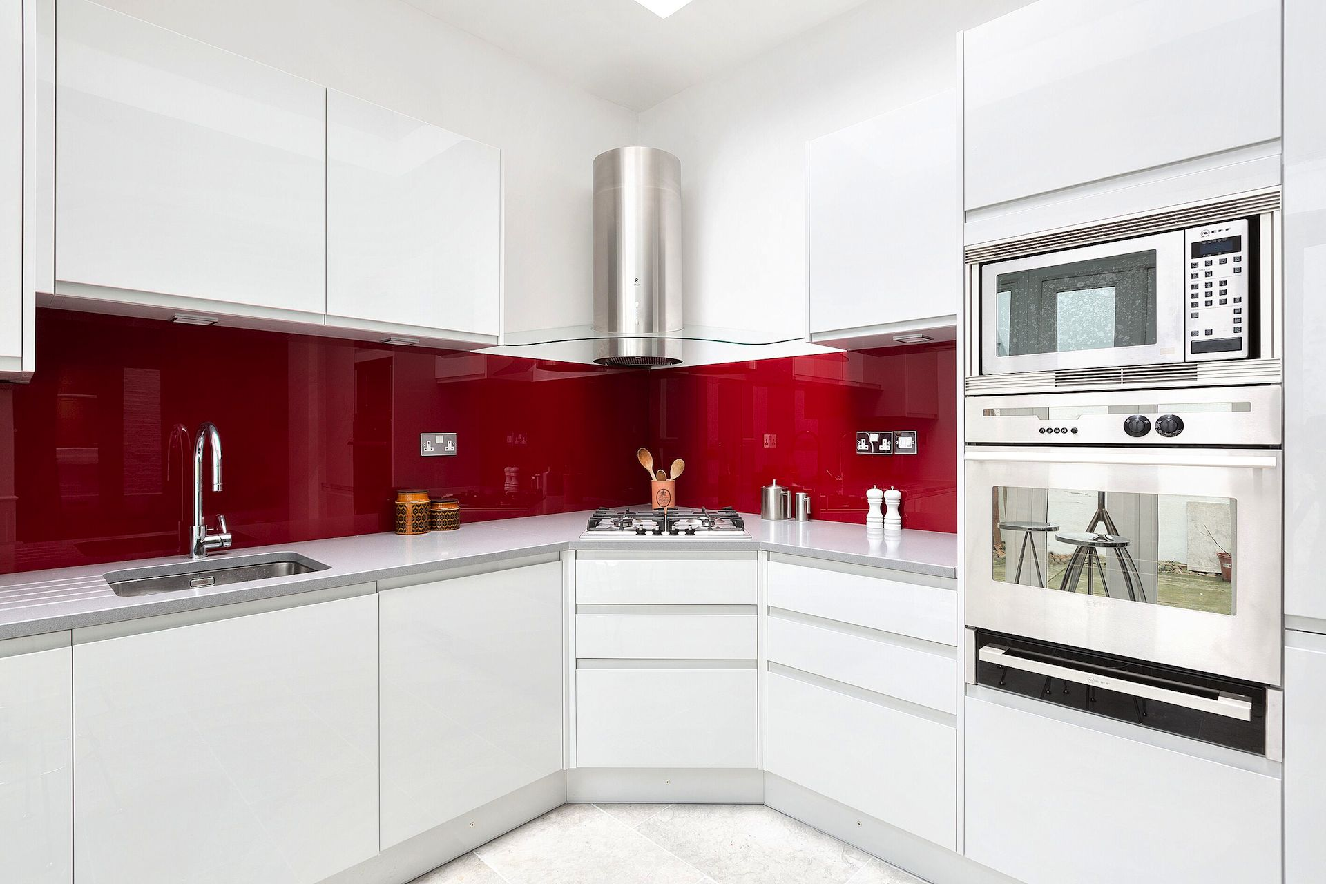Open plan kitchen in the Coleherne vacation rental offered by London Perfect