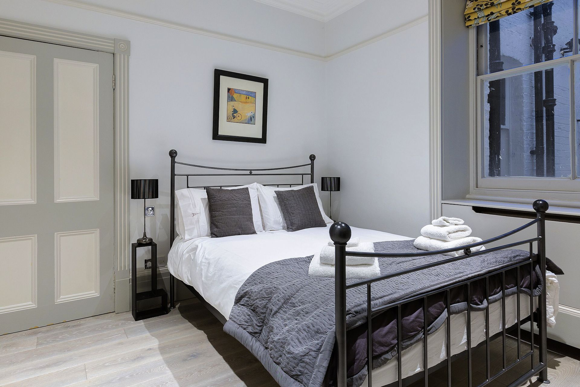 Second bedroom in the Coleherne vacation rental offered by London Perfect