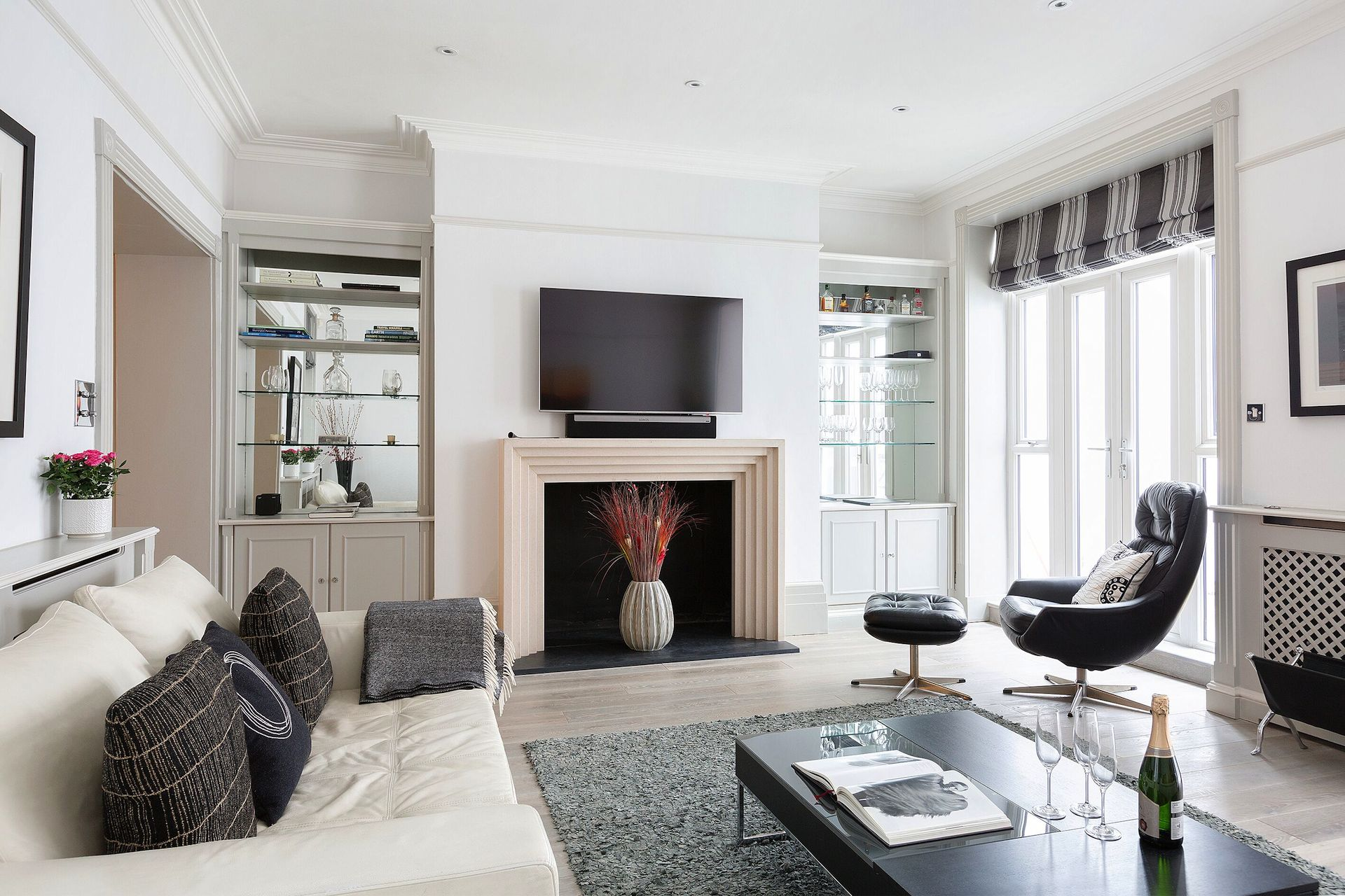 High ceilings in the Coleherne vacation rental offered by London Perfect