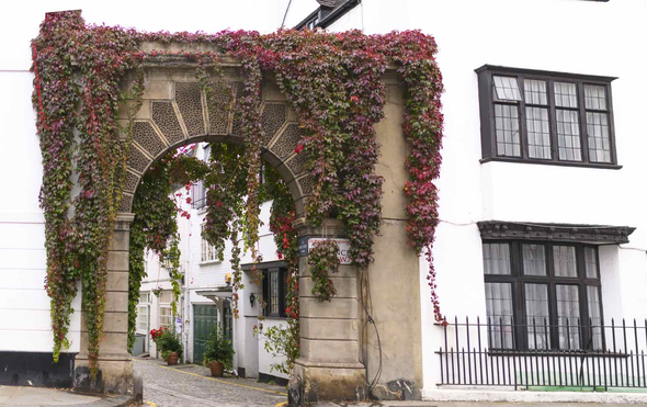 Picturesque and Private: The Best Mews Rentals in London