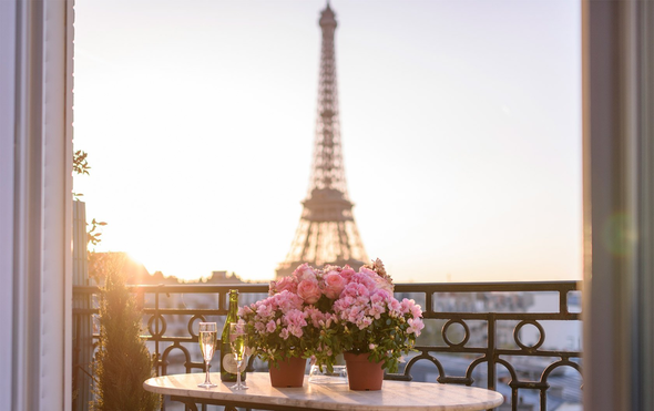 Paris Apartment Views that are Perfect for Daydreaming