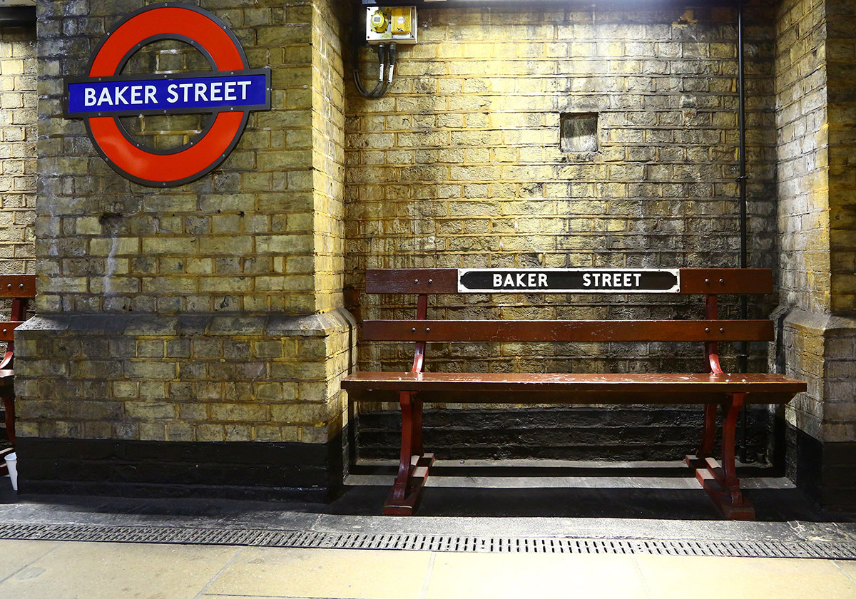 London Underground Small Group Walking Tour